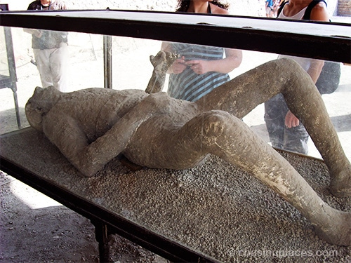 Travel Guide: Ruins of Pompeii