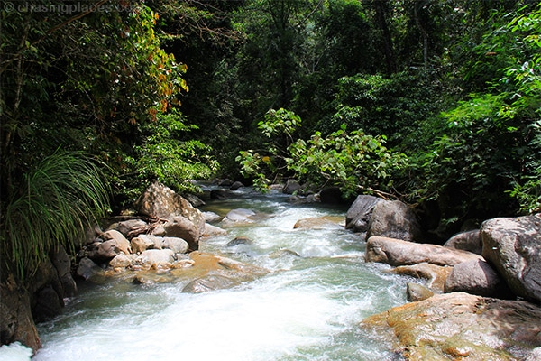 Travel Guide: Chiling Waterfalls, Malaysia