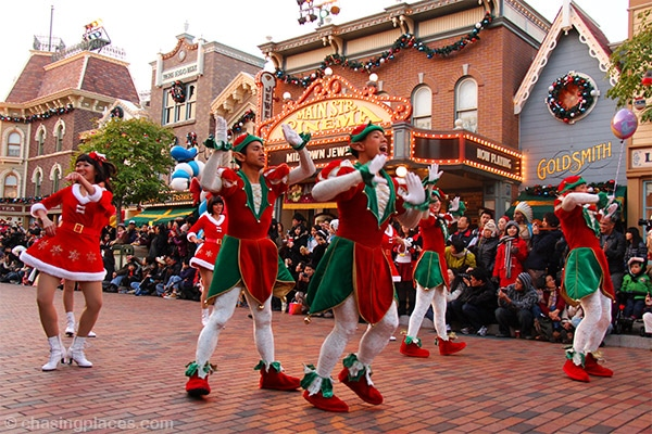 The energetic Christmas elves of Hong Kong Disneyland