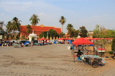The setting up of the Vientiane Night Market during the day.
