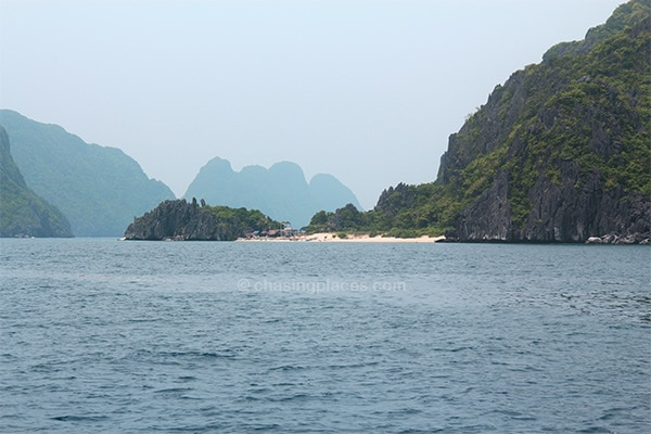 The Bacuit Archipelago is blessed with a high density of powdery white sand beaches