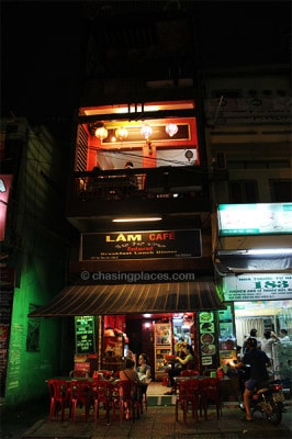 One of the excellent streetside cafes in the Pham Ngu Lao area