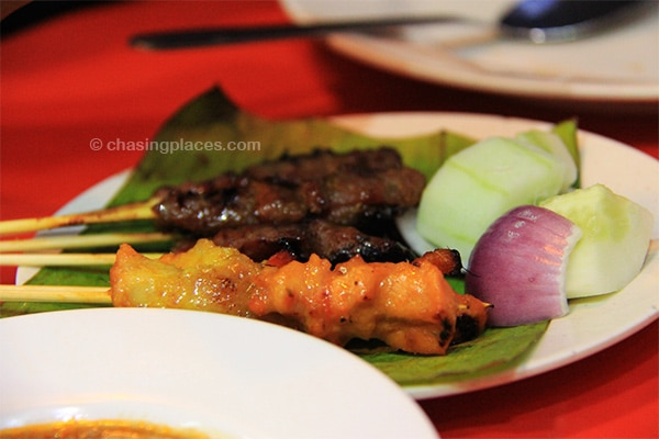 Scrumptous beef and chicked satays