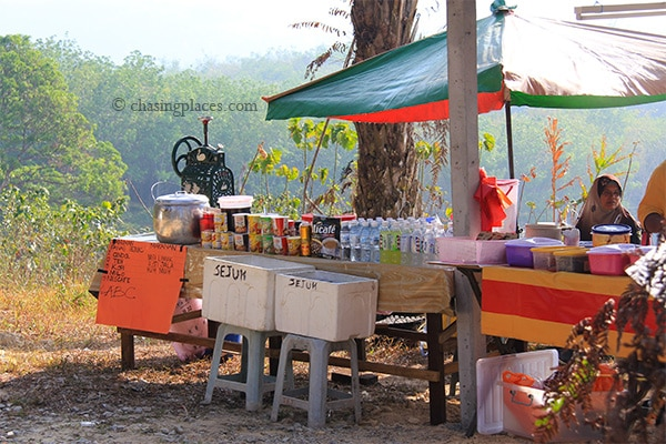 Local vendors should be ready to sell you some refreshments on your way down from Broga Hill