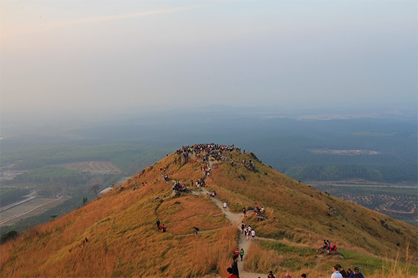 The view from the second peak of Broga Hill