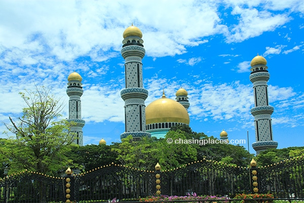 The majestic Jame Asr Hassanil Bolkian Mosque