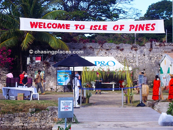 Isle of Pines welcoming cruise ship passengers