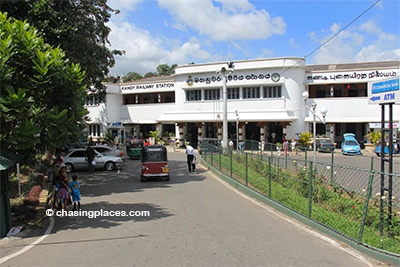 Proceed to Kandy's Railway Station early in the morning to catch the train bound for Galle