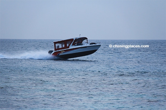 The guesthouses on Maafushi can quickly arrange for your to visit a resort island via speedboat
