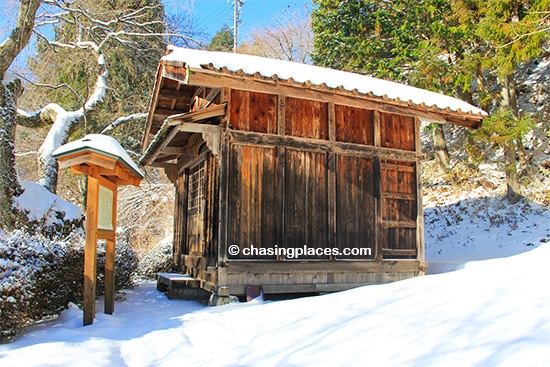 The aged cedar buildings along the Nakasendo will keep your finger on the shutter