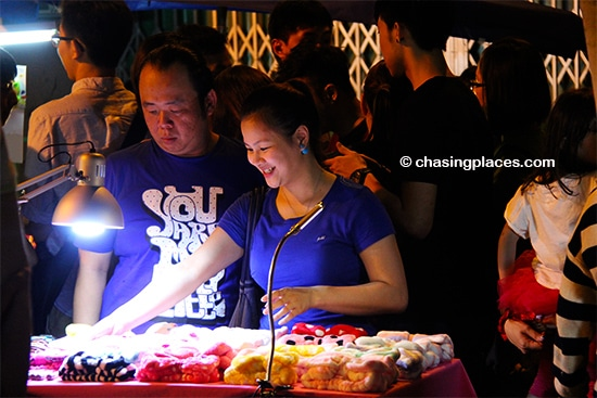 Late night shopping at the Jonker Walk night market, Melaka