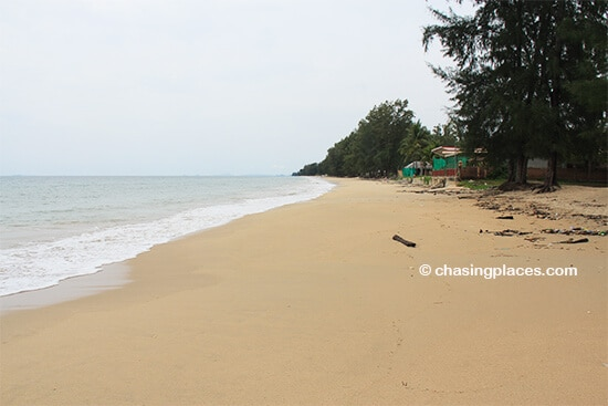 Just another empty beach on Lanta