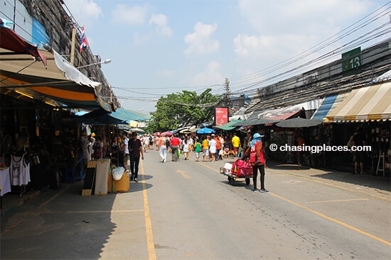 Chasing Places Travel Guide: Chatuchak Market, Bangkok