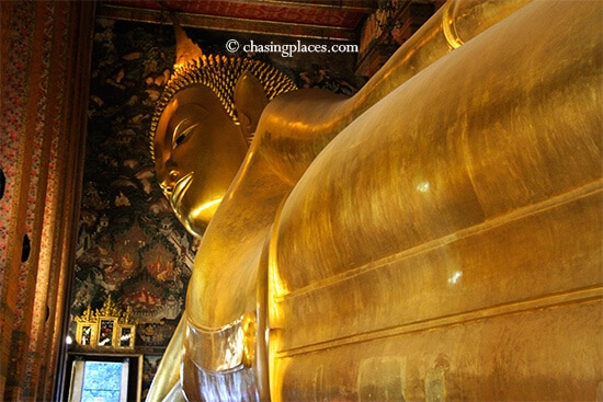 Your photo opportunities will get progressively better as you walk further in Wat Pho