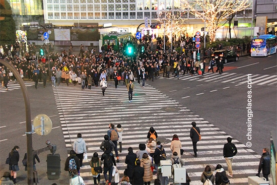 The crowd entering the intersection