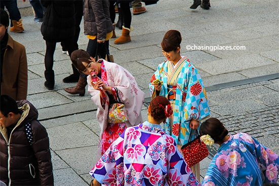 Dressing up in traditional attire and completing photo shoots has become a popular activity in Gion and Shimbashi